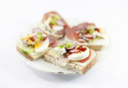 Stockvault-tasty-sandwiches-on-a-plate126851