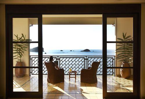 Arenas-Del-Mar-balcony-JPG