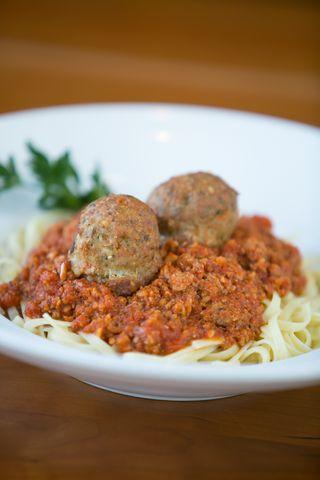 Picazzo's GF linguine w: meatballs
