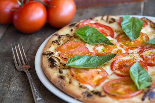 Picazzos-Margherita-pizza