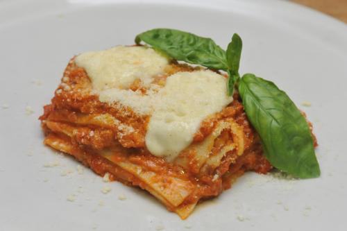 Mama Eat gluten free lasagna