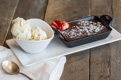 Picazzos-chocolate-brownie-with-ice-cream