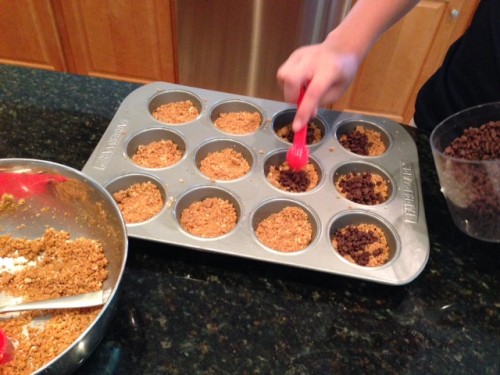 Making s'mores cupcakes