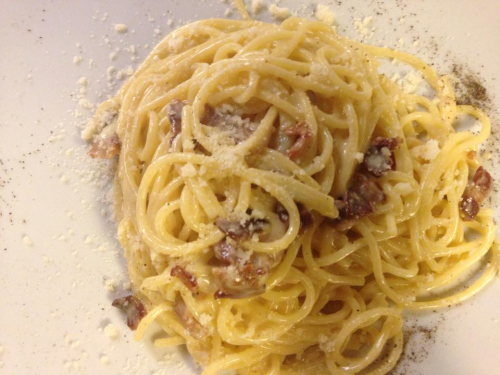 Mama Eat pasta with pancetta