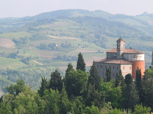 Emilia Romagna close up of building with rolling hills