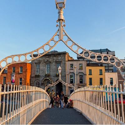 Hapenny-Bridge-Dublin-Pixabay-Image-Credit