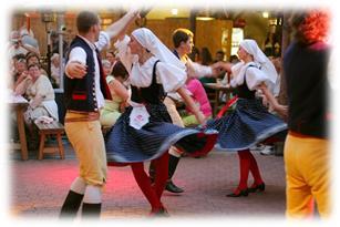 Prague-dancers